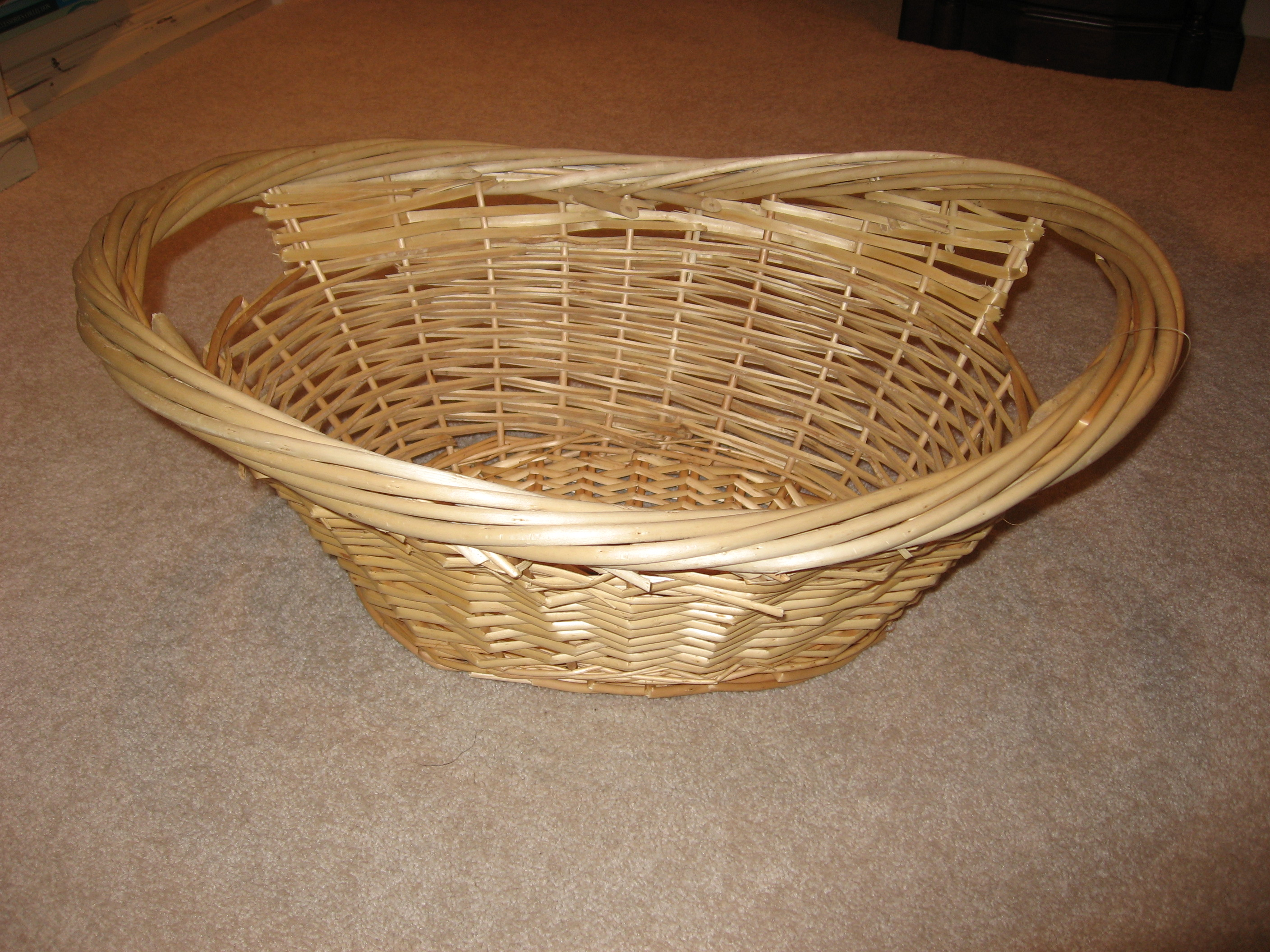 Decorate A Simple Basket For The Holidays In Touch